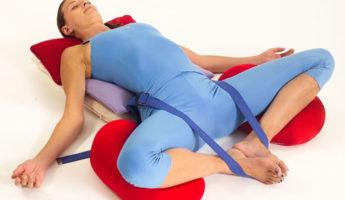 Супта Баддха Конасана в йоге: техника, значение и польза
