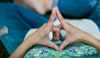 Мудры для привлечения любви женщины или мужчины