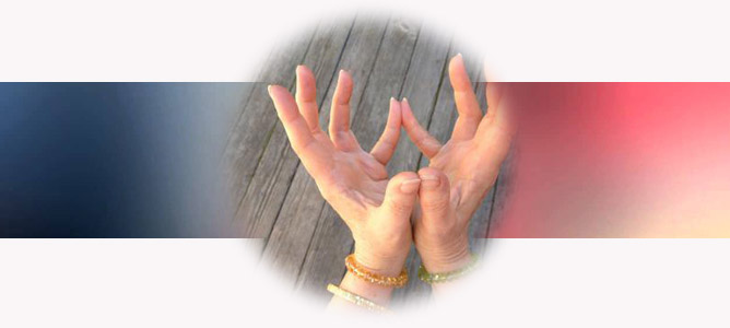 Лотос мудра (развивает любовь и милосердие): техника и значение в жизни человека