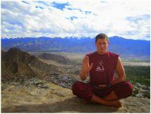 Абхая мудра (мудра от страха): техника и значение в жизни человека