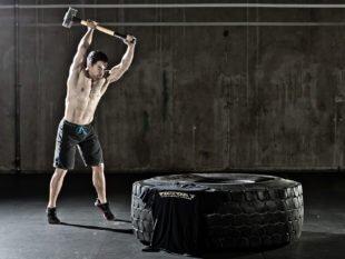 Кроссфит для мужчин: программа тренировок в тренажерном зале