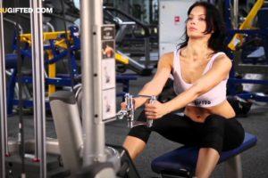 Тяга нижнего блока к поясу: техника выполнения, работающие мышцы, польза
