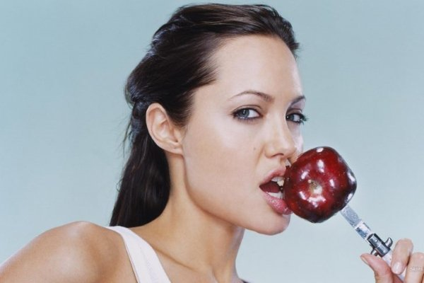 Схема питания от Анджелины Джоли