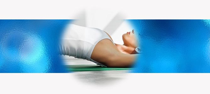 Супта Вирасана (Поза Воина Лежа) в йоге: техника, значение и польза