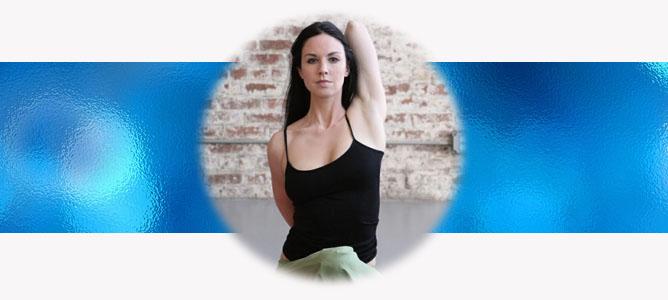 Гомукхасана (Поза Коровы) в йоге: техника, значение и польза