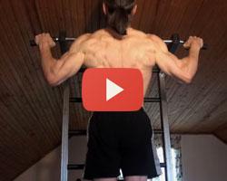 Видео: подтягивания широким хватом для спины